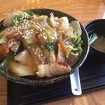 牛もつ鍋 寅家 - 料理写真:極旨ホルモン丼 550円