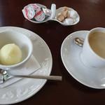 サロンドカフェアンジュ  - セットの コーヒーと シャーベット ¥300