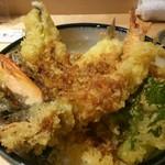 寿司の磯松 - 穴子と大海老の天丼 1000円、「有頭海老」に「穴子」に「きす」、野菜天が3種入っておりました