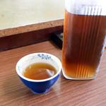 64295521 - 初めての時は冬でお茶でしたが、今回は夏で麦茶でした。