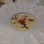 ビストロ ダイア - カリフラワーのビッソワーズに蟹とウニ
