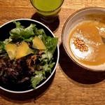 64299399 - 野菜ジュース、サラダ、カレー(食べ放題)