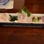 64300526 - 地魚白身魚の三種盛り 900円