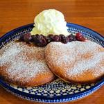 cafe T's+ - ベリーのパンケーキ