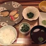 和食・酒 えん - 本日のお魚料理 鰆の備長炭干し膳 1,380円(税込)