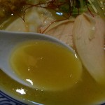 64308228 - 鶏白湯のスープ