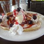 カフェ マチルダ - ベリーベリーパンケーキ(ハーフサイズ)