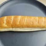 COUNTRY-SIDE - 料理写真:「ハチミツ・クリームフランス」130円税抜