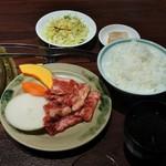 肉の館 羅生門 - 黒毛和牛のカルビ定食