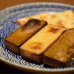 ヒヨク之トリ - レバーの燻製とクリームチーズのカナッペ@150円/枚+税