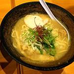 濃厚鶏ソバ 麺 ザ クロ - 濃厚鶏白湯