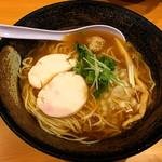 濃厚鶏ソバ 麺 ザ クロ - 和風煮干鶏SOBA