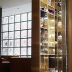 ピュイフォルカ シャンパンバー HERMES - ブティック2階の入口
