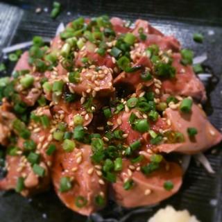 【鶏レバ刺し】毎朝山梨県より届く、朝引きの新鮮な信玄鶏!!