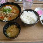 Restaurant Serambi - もつ煮定食