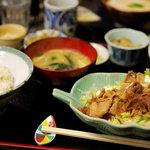 コペ - 生姜焼き定食(730円)