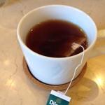 カフェテリア スパイス ジャヤ - セットの飲み物 紅茶はまんまティーパック