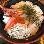 食彩 ごえん - 料理写真:盛りだくさんの海鮮丼(2017.03現在)