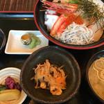64335270 - 海鮮丼(税別1200円)