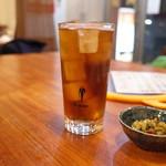 麻辣香鍋 - ウーロン茶とお通し