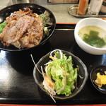 昭和大衆ホルモン - 特選カルビ丼