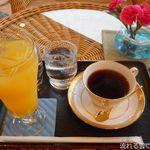 稲取東海ホテル湯苑 - ドリンク写真:甘夏ジュース&コーヒー