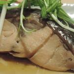 炉端焼き 鷹島本まぐろ 魚然 - 煮魚 アップ