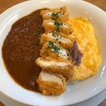 洋食厨房 Country House - 料理写真:チキンカツオムカレー