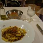 ジリオ - 千葉産コレナイ豚肉とたっぷり野菜を白ワインで煮込んだソース