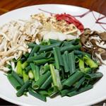 湖国料理 やまじん - 鍋用野菜