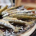 湖国料理 やまじん - モロコが大きいです。