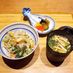 嗜季 - 土鍋炊きの混ぜご飯、お新香、味噌汁。ここに、最高のものが揃ってます