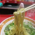 もっこす - 中華そば、麺はバシッと茹で上がっていました