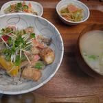 Apsara Cafe - 料理写真:厚揚げと野菜のガドガド丼