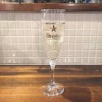 イタリアン酒場 THE MARCHE - グラススパークリング