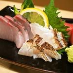 太郎寿司 - お造り盛り合わせ