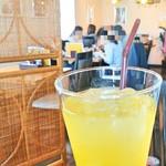 食事とお酒の店 ドリアン - 飲み放題のオレンジジュース 2017/04