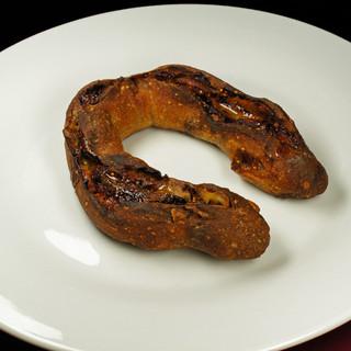 充麦 - 料理写真:ブルーチーズ、いちじく、くるみのハードパン