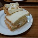 64376320 - クリームチーズ&フルーツ(500円)