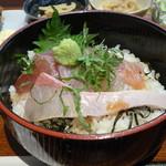家庭食堂 おおきなかぶ - 海鮮丼定食