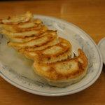 ぎょうざの満洲 - 餃子 210円