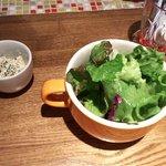Grill & Cheese UCHINOCO - プチ前菜とサラダ