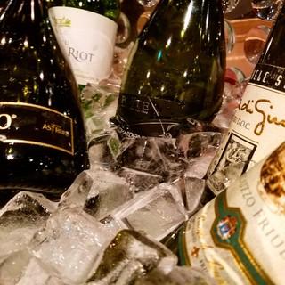 ソムリエ厳選のワインを楽しめます☆