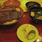 万平 - 上うなぎ丼 1,500円