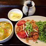 64391562 - 《ほうれん草とトマトのつけ麺》830円                       2017/3/24