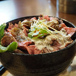 肉バル ちび九炉 - ローストビーフ丼・メガモンスター