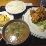 モンテローザ - から揚げ定食(920円)
