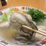 赤穂らーめん麺坊 - プリップリの大粒赤穂産牡蠣が5粒(2017.3.24)