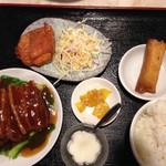 64396464 - 定食セットの豚の角煮。980円。