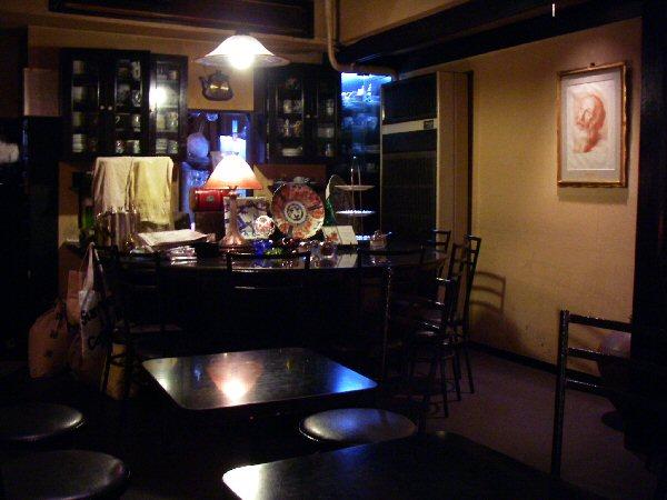 カフェ・ド・イマリ - こちらは2階です(喫煙可能)